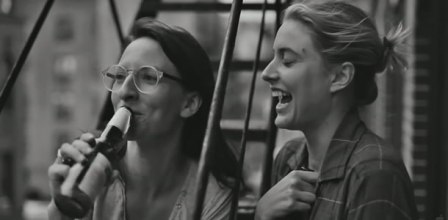 frances-ha-trailer-0352013-154457